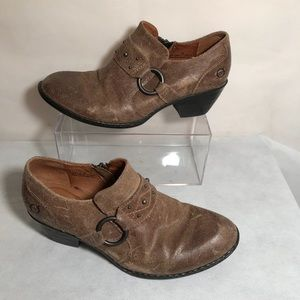Born Lorlei Distressed Leather Booties Brown SZ 7
